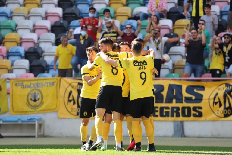 """SC Beira-Mar dá """"goleada"""" na sexta vitória consecutiva"""